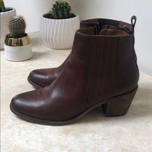 Frye Ankle Boots Beautiful dark brown in EUC